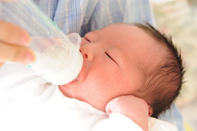 赤ちゃんの腕のシミの原因