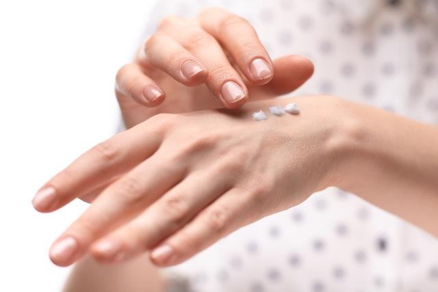 そばかす治療に皮膚科でハイドロキノンクリームの効果